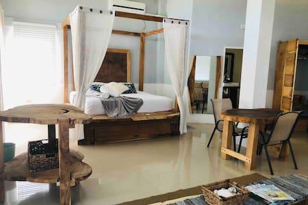 Bago Beach House: Oceanfront
