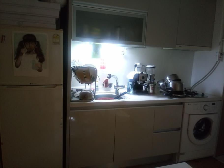 커피머신기/드럼세탁기/가스렌지 /정수기설치/에어콘설치