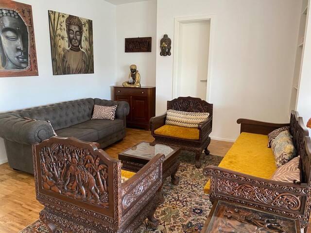 Ess-/Wohnbereich mit Schlafcouch