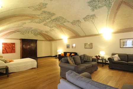 Charming LOFT in the heart of Genoa - Genua