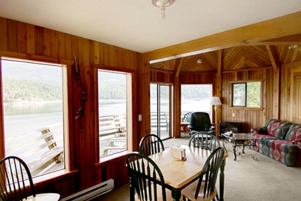 Lovely rustic charm, boasting local wood features