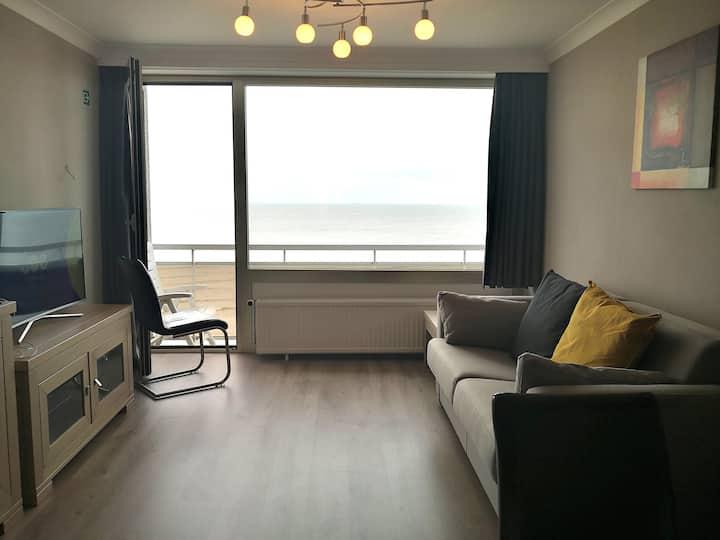 Appartement met frontaal zeezicht in Blankenberge!