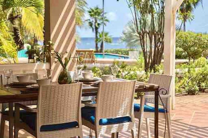 Casa Curacao @ Ocean Resort ***** Near Mambo Beach