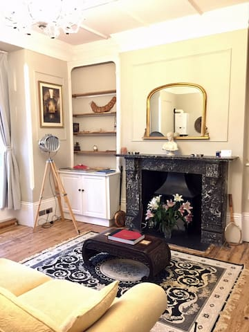 Beautiful one bedroom flat with private balcony