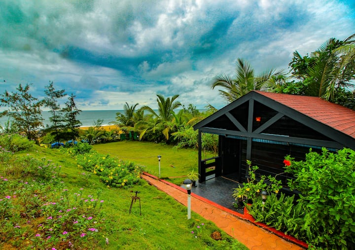 Luxury Beachfront Cottages on Candolim Beach