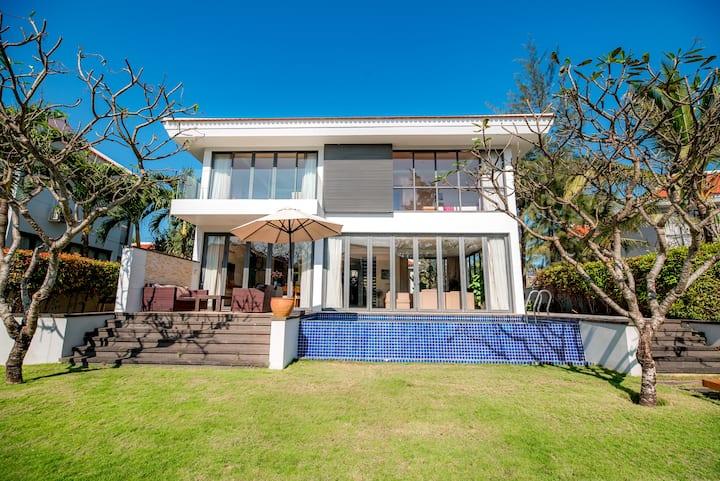 Emblemsea Villa beach 3 BR Ocean Resort