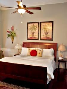 The Little Gem - Grand Magnolia Suites