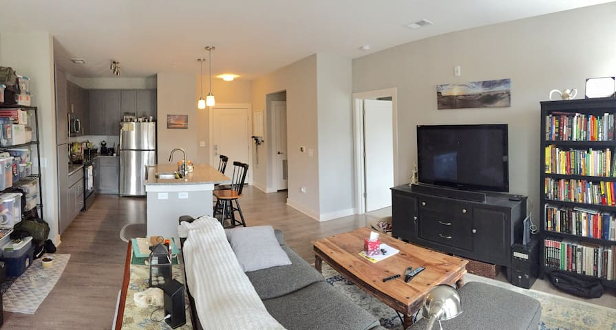 Brand new apartment modern & clean - Raleigh - Leilighet