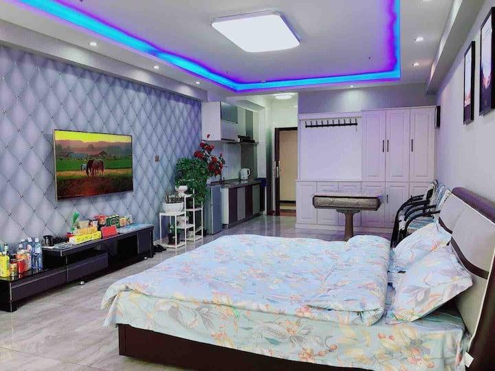 【夜华公寓】万达广场·ins风·大床房·榻榻米·密码锁