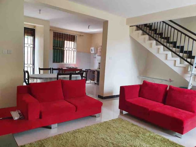 Beautiful and secure house near Entebbe Airport