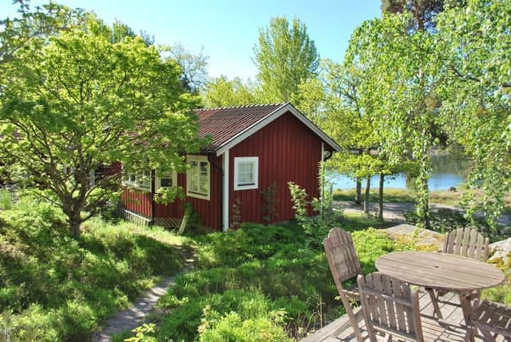 Hus med havsutsikt, nära Stockholm!