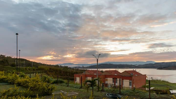 LAKE FRONT VACATION  APARTMENT IN LAKE CALIMA