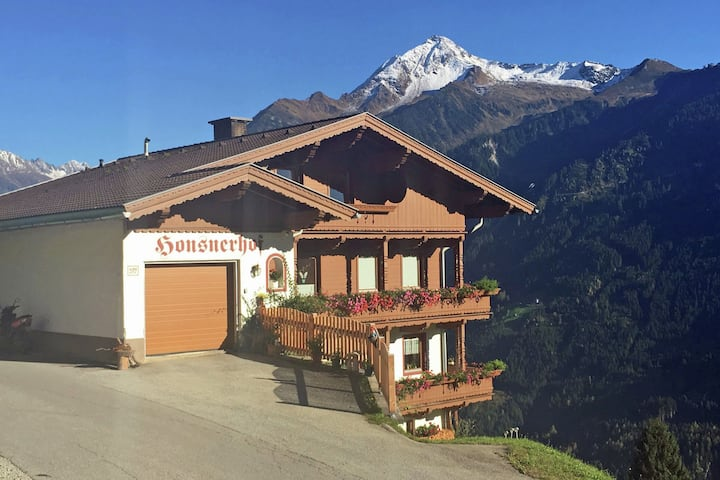 Quaint Apartment in Finkenberg near Ski Lift