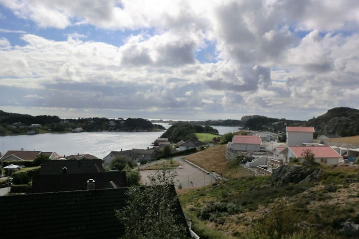 View to Hellvik harbour and the Northsea - Eigersund - Haus