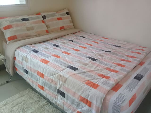 1BR Cozy-Clean, Condotel with Balcony near Airport