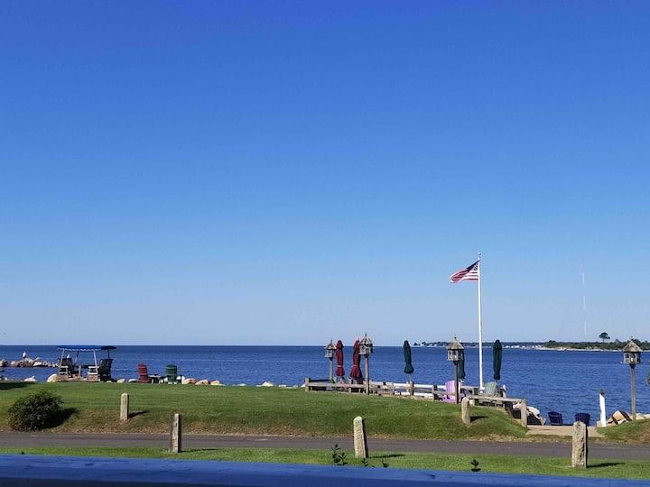 Peaceful Oceanfront Pleasure Beach Guest House