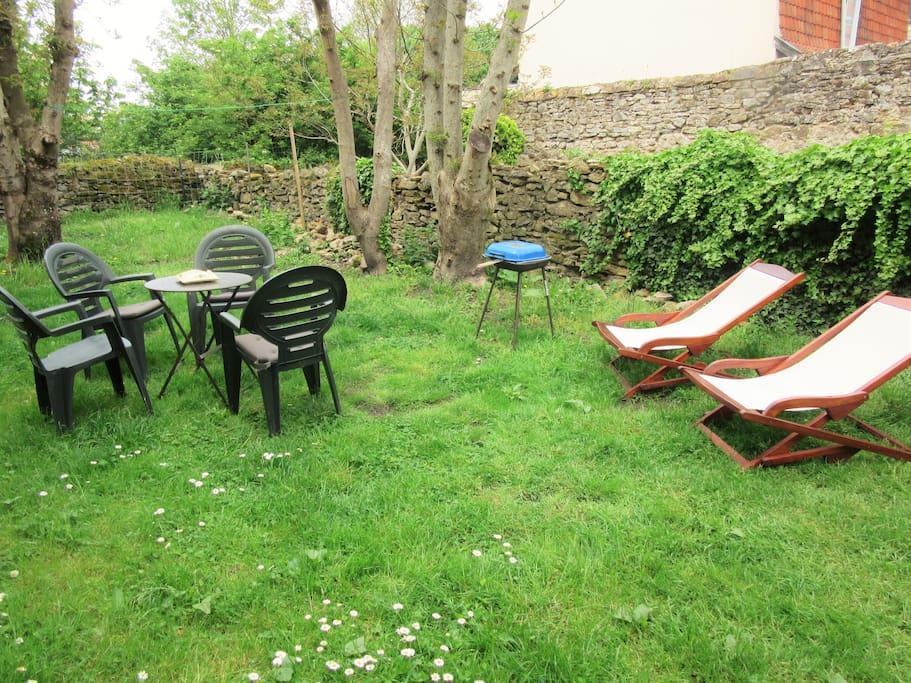 Ptite maison jardin plage campagne 2 km wimereux for Jardin potager a louer 78