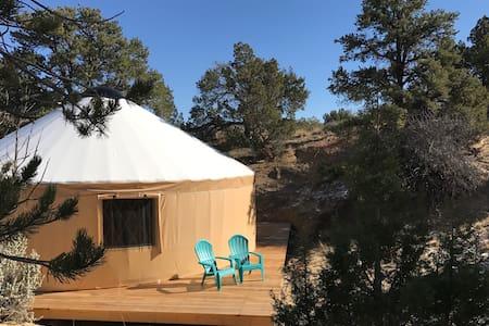 Escalante Yurt lodging (Willow yurt) - Escalante