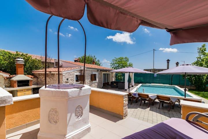 Encantadora casa de vacaciones con piscina privada