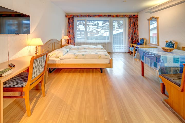 Central, nice and cozy Studio.  - Zermatt - บ้าน