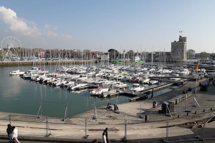 Joli studio sur le Vieux Port de la Rochelle