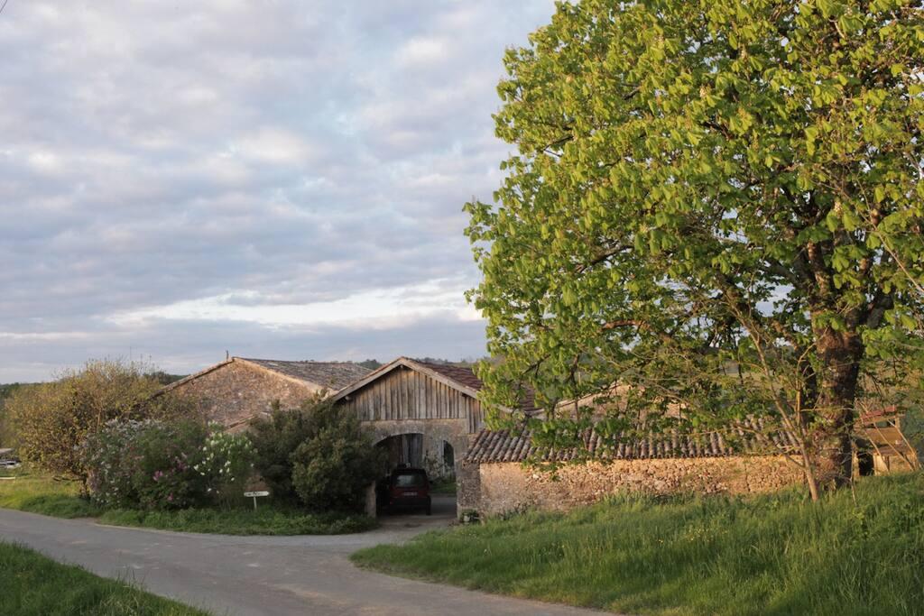 L'entrée de la ferme.