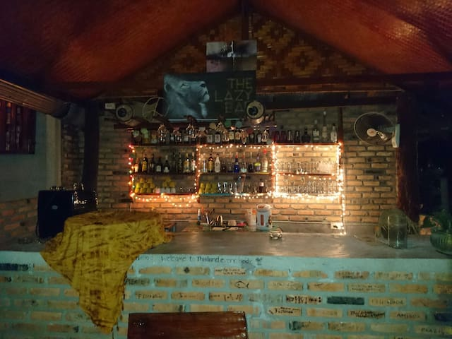 The Lazy Bar Guesthouse - Ao Nang - Hostel