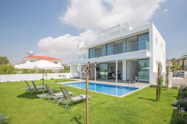 Cyprus In The Sun Villa Nissi Pearl 3