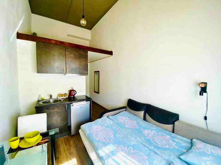 104 A cozy new studio apartment near city center