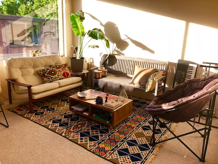 Private Room 15 min from the city