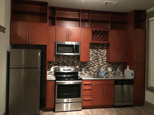 Quiet,Friendly,Lively,Urban 1 bed 1 bath apartment - Sandy Springs - Appartamento