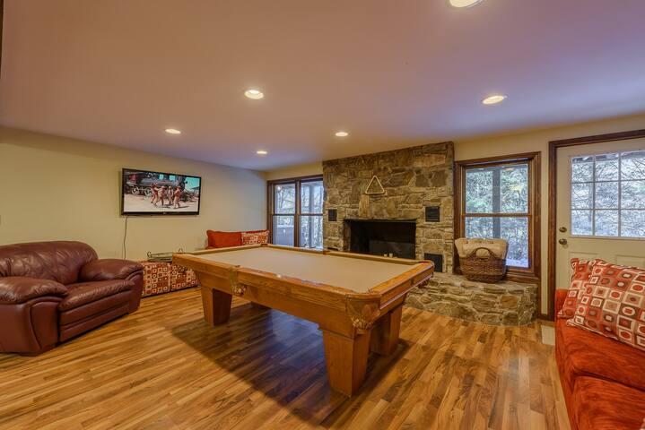 Banner Elk Lodge 6br 4ba Hot Tub Close To Beech Mtn Ski Resort Cabins For Rent In Banner Elk North Carolina United States