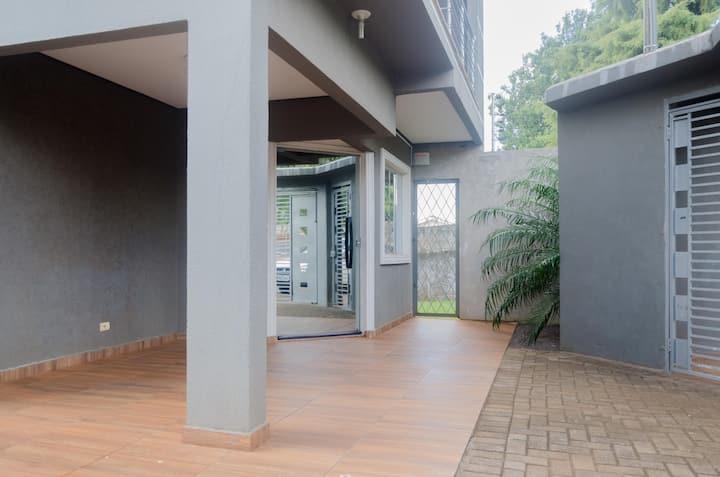 Casa c/ PISCINA, segurança e conforto para família