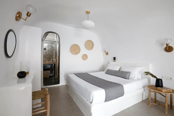 Standard Cave Villa with Hot Tub
