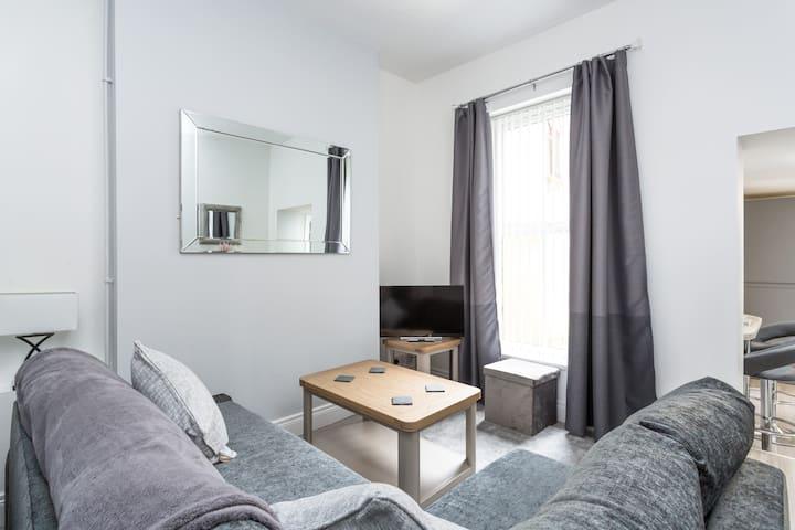 Number 28, Apartment 1