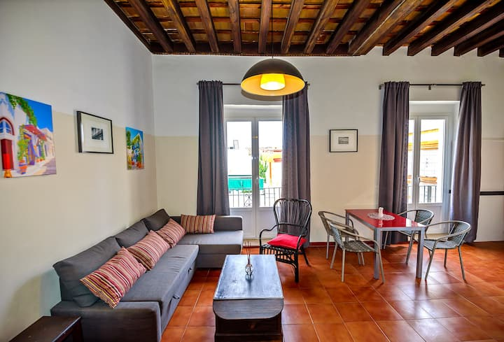 Milagros #3, three-bedroom Central Apartment