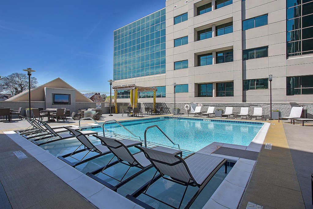 Stay Alfred Nashville Vacation Rental Pool