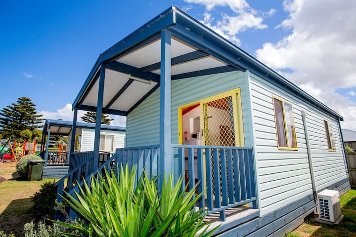 BIG4 Port Fairy  Curlew Cabin 2