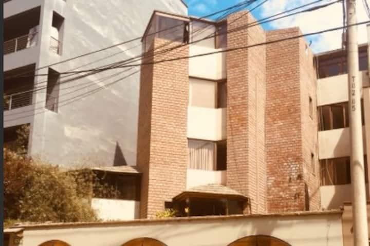 -2- Rent in the center of MIRAFLORES