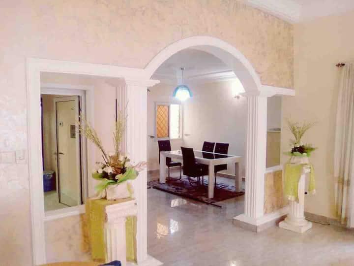 Magnifique villa MEUBLÉE pour vous à Douala