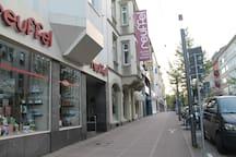 Zentral! 5 min zu Fuß zum HBF & zum Shoppen :-)