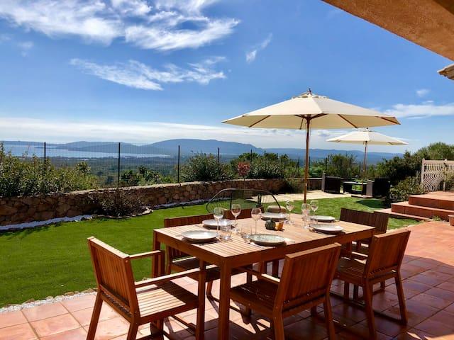 Grande villa avec superbe vue mer à Saint-Cyprien