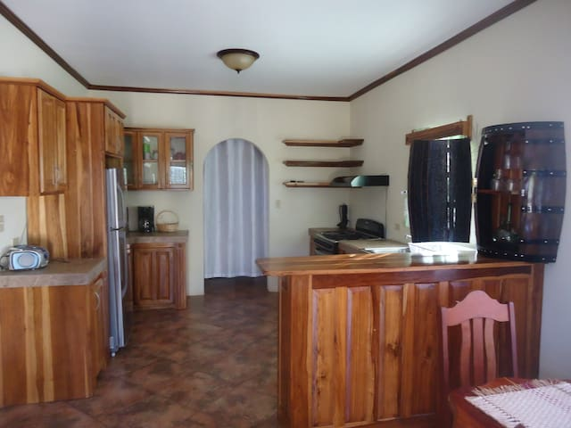 Captital Haven Guest House - Belmopan - Casa