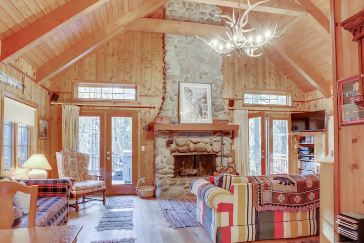 Historic dog-friendly waterfront cabin w/hot tub & Salmon River access