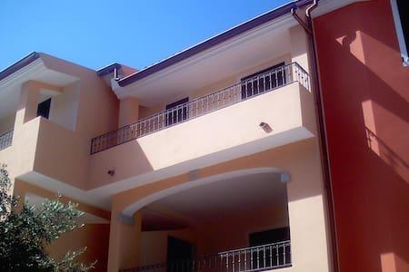 BADESI BILO 1 - Badesi - 公寓