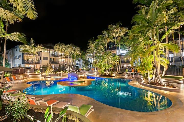 Hastings Street Promenade - French Quarter Resort