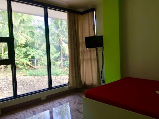 LCF - BB Hotel (Room L4)