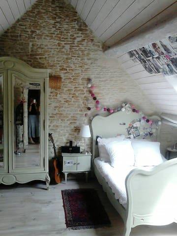 Chambre Garance  Lit double 130X190