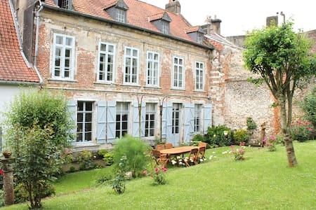 Grande maison de charme 5 chambres - 몽트뢰유