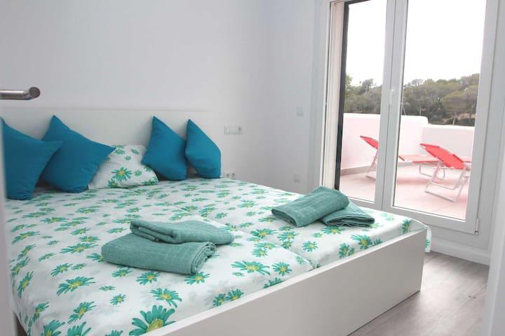 Schlafzimmer 2, Bett 180x200